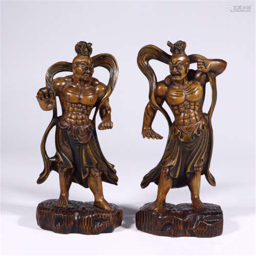 TWO CHINESE BOXWOOD STANDING WARRIORS TABLE ITEM
