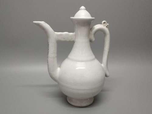 A Chinese White Glazed Porcelain Wine Pot