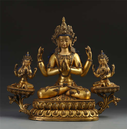 CHINESE GILT BRONZE SEATED GUANYIN WITH TWO GUARDIANS