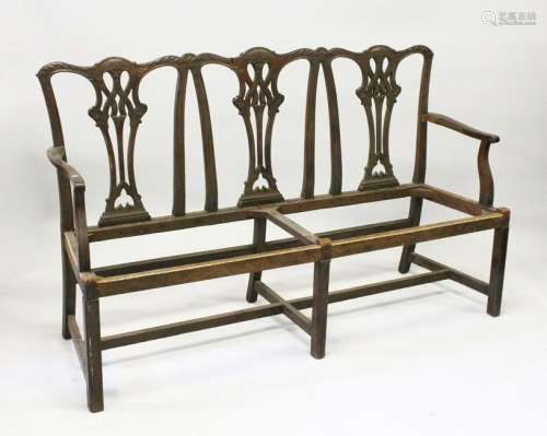 A CHIPPENDALE STYLE MAHOGANY THREE SEATER CHAIR BACK