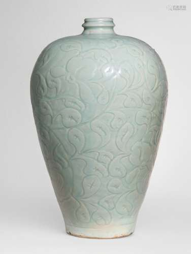 A LARGE AND SUPERBLY CARVED QINGBAI 'LOTUS' MEIPING SOUTHERN SONG DYNASTY