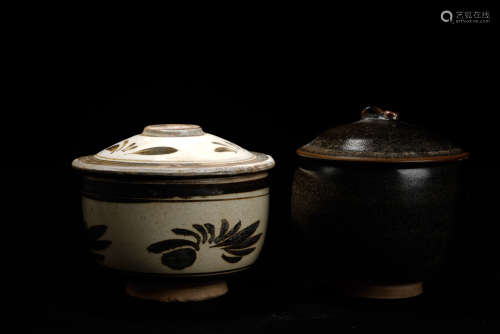 A Set of Chinese Black and White Pottery Go Set