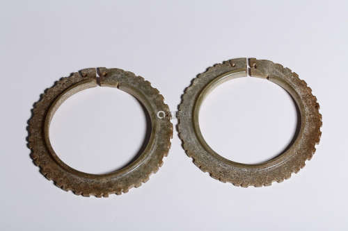 HETIAN JADE DRAGON PATTERN BANGLE IN PAIR