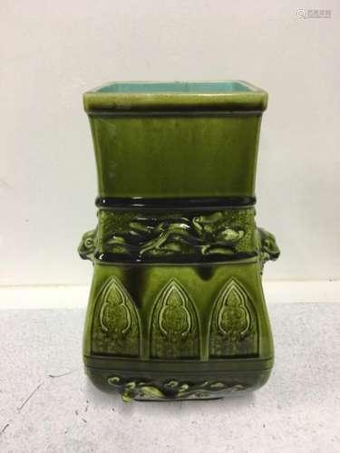 SARREGUEMINES Vase quadrangulaire en céramique éma…