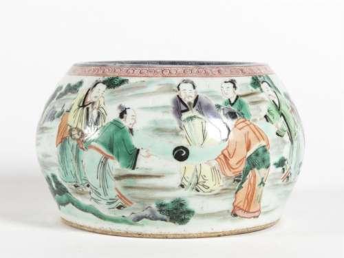 Chine, Grand pot à eau en porcelaine aux émaux de …