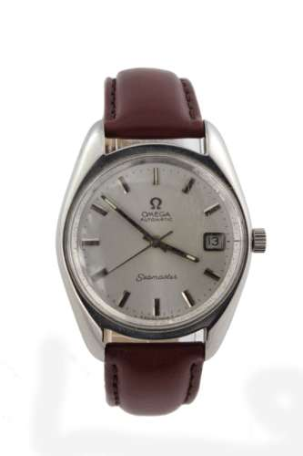 Gents stainless steel cased Omega seamaster automatic wristwatch (circa 1970). The cream dial with