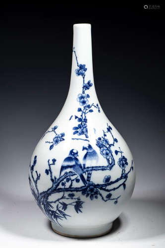 BLUE WHITE FLOWER BIRD VASE
