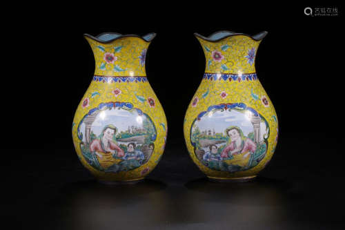 QIANLONG MARK ENAMEL VASE IN PAIR