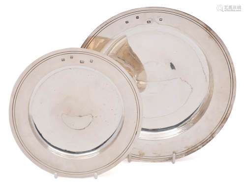 An Edward VIII silver dish, maker William Comyns & Sons Ltd, London,