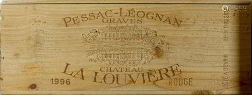 Château La Louvière 1996. (12 bouteilles). Pessac …