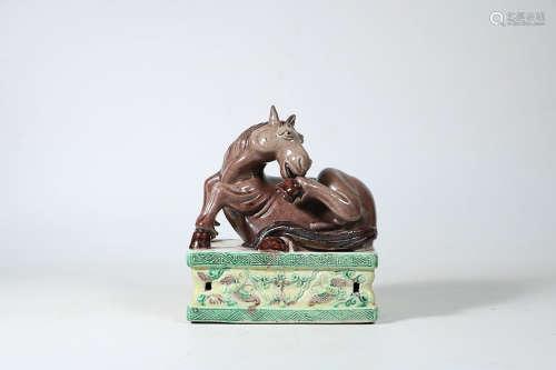 PLAIN THREE-COLOR HORSE ORNAMENT
