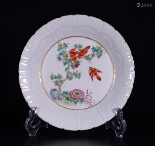 CHINESE PORCELAIN FAMILLE ROSE BIRD AND FLOWER PLATE
