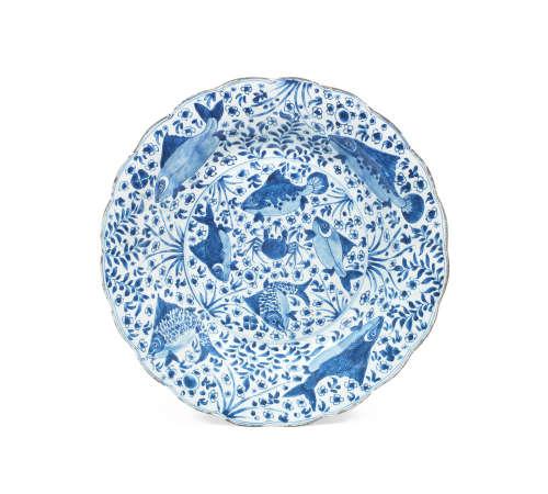 Kangxi A large blue and white 'fish' dish