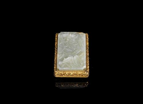 Qing Dynasty A jade mounted gilt-metal buckle