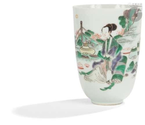 CHINE - Époque KANGXI (1662 - 1722) Gobelet en porcelaine émaillée polychrome de la famille verte
