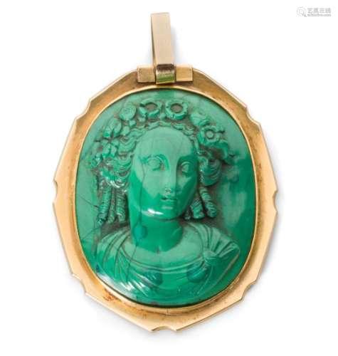 CHRISTIAN FJERDINGSTAD (1891-1968) Médaillon Monture de pendentif. Or. Le médaillon en malachite non