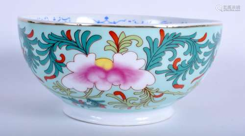 A CONTINENTAL PORCELAIN BOWL. 16 cm diameter.