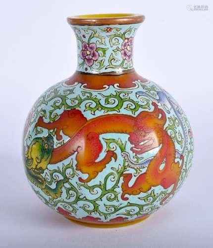 AN UNUSUAL CHINESE ENAMELLED BEIJING ENAMELLED GLASS