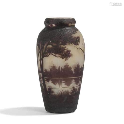 MULLER FRÈRES LUNÉVILLE Paysage lacustre Vase balu…