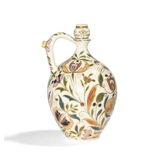 VILMOS ZSOLNAY (1828 1900) À PÉCS Fleurs stylisées…