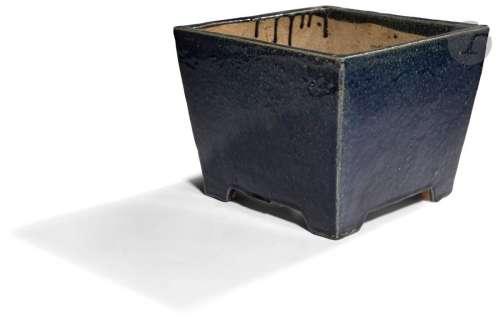 CHINE XIXe siècle Cache pot rectangulaire quadripo…