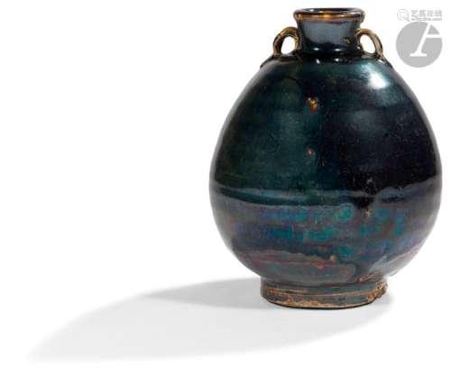 JAPON Milieu Époque EDO (1603 1868) Pot ovoïde à d…