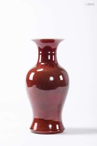 A vase in Chinese porcelain 'sang de boeuf' (41cm)