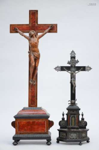 Lot: crucifix with relics + wooden Christ (67cm)