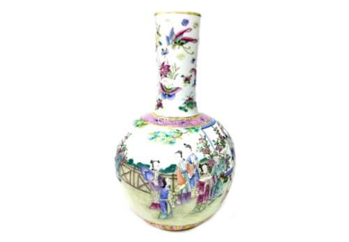 A CHINESE FAMILLE ROSE BOTTLE VASE