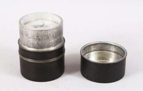 A CHINESE PEWTER BOX AND COVER / CADDY, the base with an impressed seal mark, 10.5cm high x 8cm.