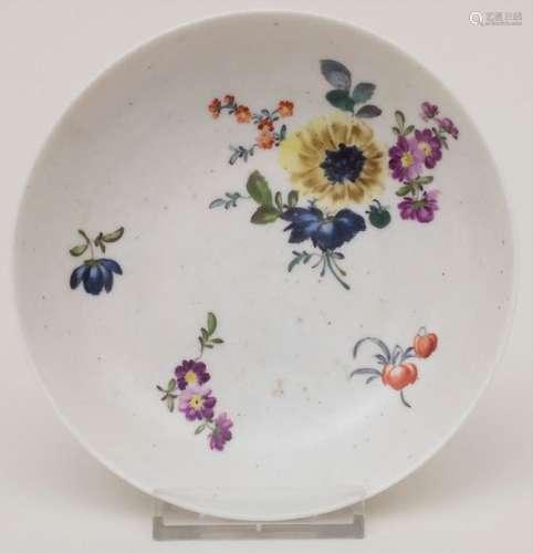 Schälchen mit Blumenmalerei / A small bowl with fl…