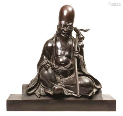 Importante statuette en bronze de patine sombre re…