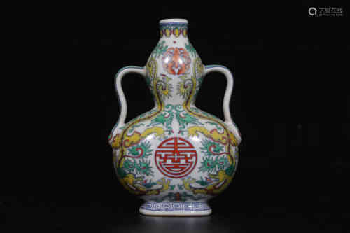 A Chinese Famille-Rose Porcelain Vase with Double Ears