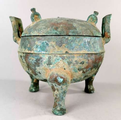 CHINESE ARCHAIC BRONZE LIDED DING