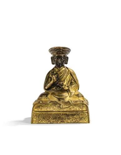 STATUETTE DE LOBZANG PALDEN YESHE, LE 3E LAMA PANCHEN (1738-1780) EN BRONZE DORÉ DYNASTIE QING, XVIIIE SIÈCLE | 清十八世紀 鎏金銅三世班禪羅桑班丹益西貝桑布坐像 | A gilt-bronze figure of Lobzang Palden Yeshe, the 3rd Panchen Lama (1738-1780), Qing Dynasty, 18th century