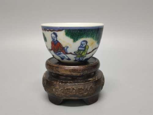 A Chinese Dou-Cai Glazed Porcelain Cup