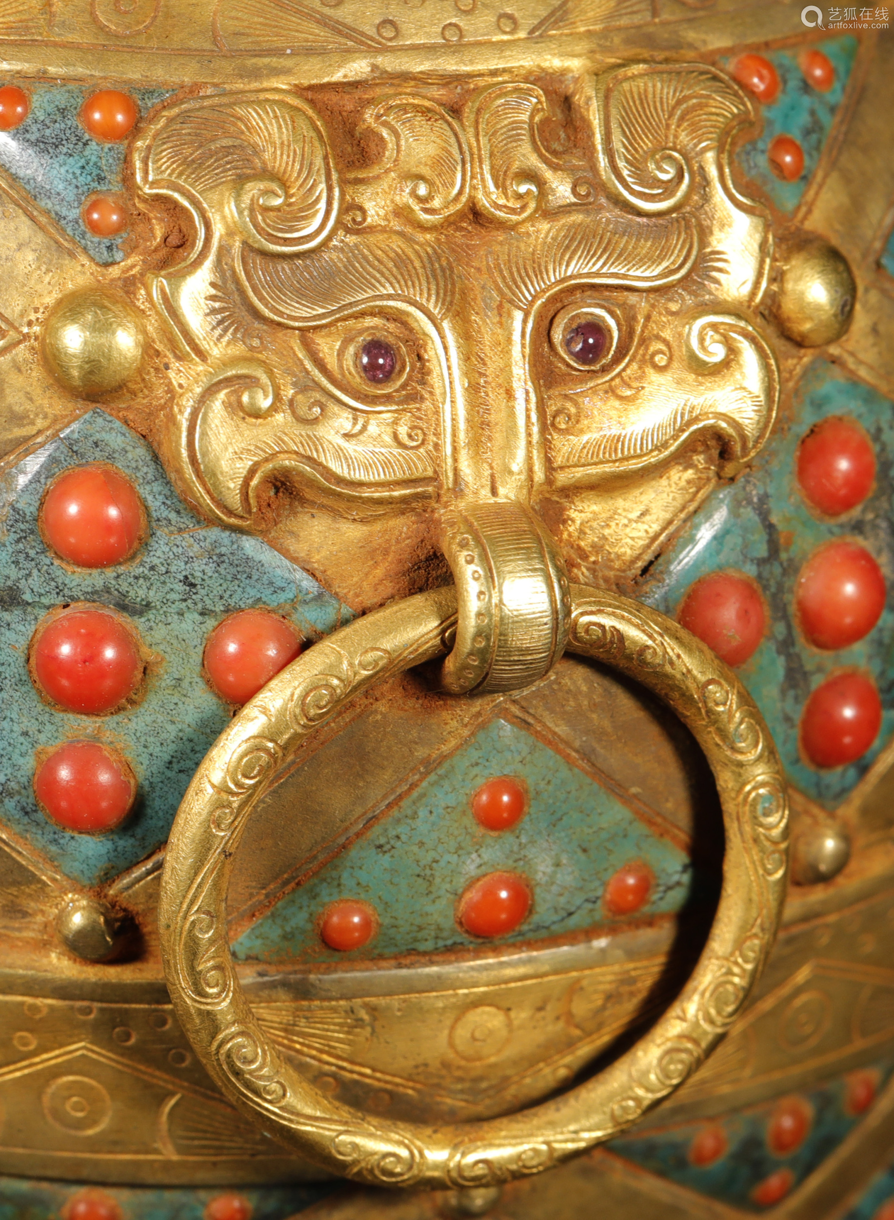 汉代 银鎏金嵌松石盖壶一对