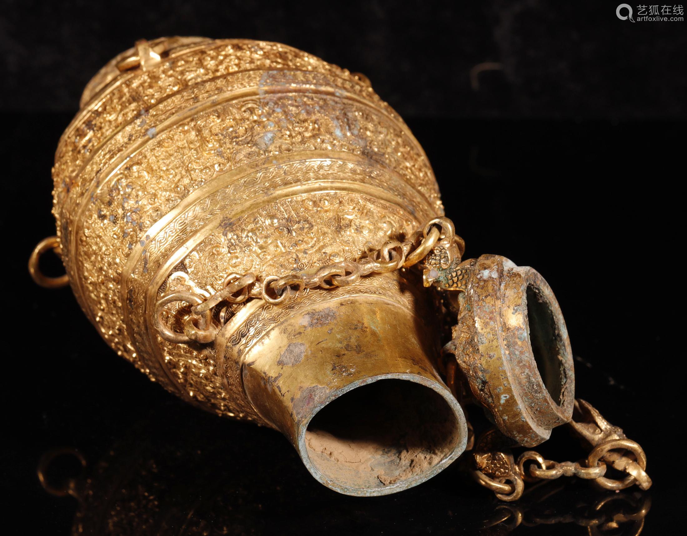 汉代 铜鎏金龙纹提梁壶