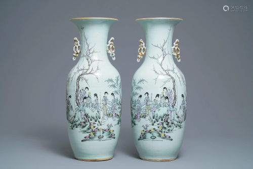 A pair of Chinese qianjiang cai vases with lad…