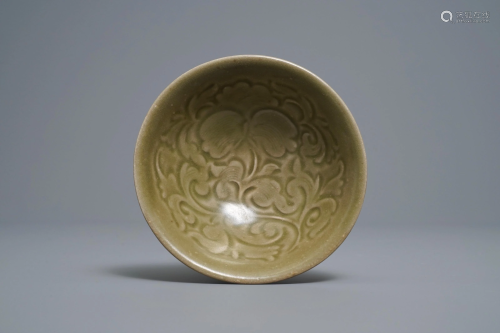 A Chinese yaozhou celadon bowl with floral desi…