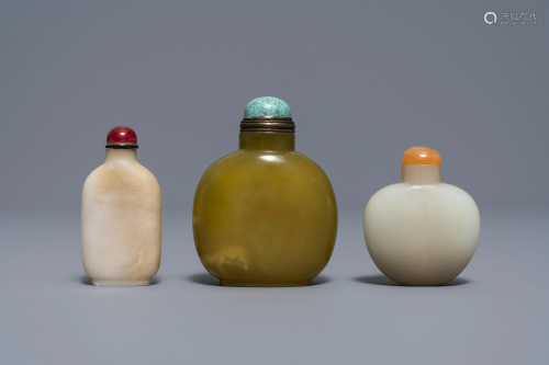 Three Chinese jade snuff bottles, 18/19th C.