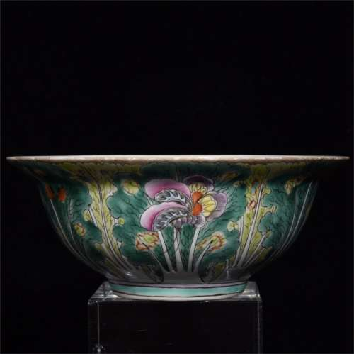 A Chinese Famille-Rose Porcelain Flower Bowl