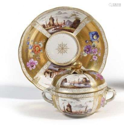 Meissen (kind of) Round covered porcelain bowl with polychrome decoration of animated port scenes and bouquets of flowers on a gold background.  Marked: AR in blue.  End of the 19th century.  L. 21,5 cm