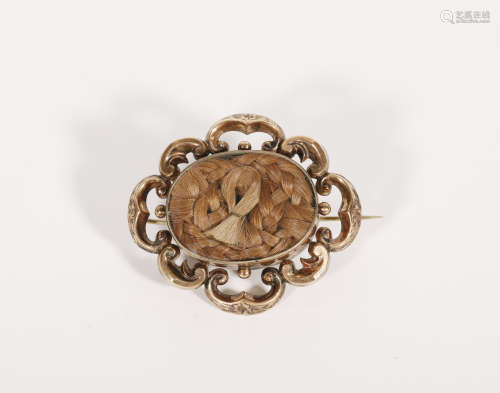 An 9K Gold Antique Brooch from United States