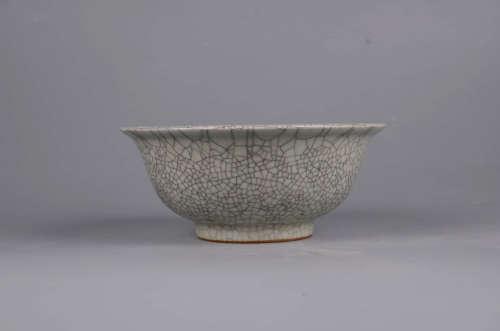 A Chinese Ge Glazed Porcelain Bowl
