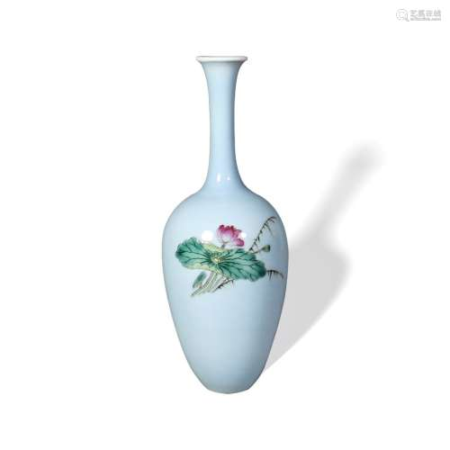 A  Clair-de-Lune' Glazed' Bottle Vase, Yongzheng Mark , Republic Period民国 天蓝釉长颈瓶 大清雍正年制款