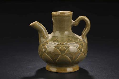A Chinese Cizhou Kiln Floral Carved Porcelain Wine Pot