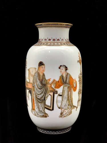 A Chinese Ink Color Gild Figures Painted Porcelain Vase