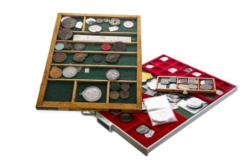 A GROUP OF BRITISH TOWN TOKENS, HALFPENNIES AND PENNIES
