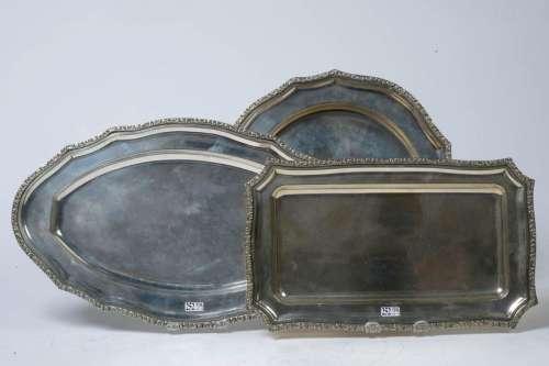 Set of three trays: one rectangular, one round and…